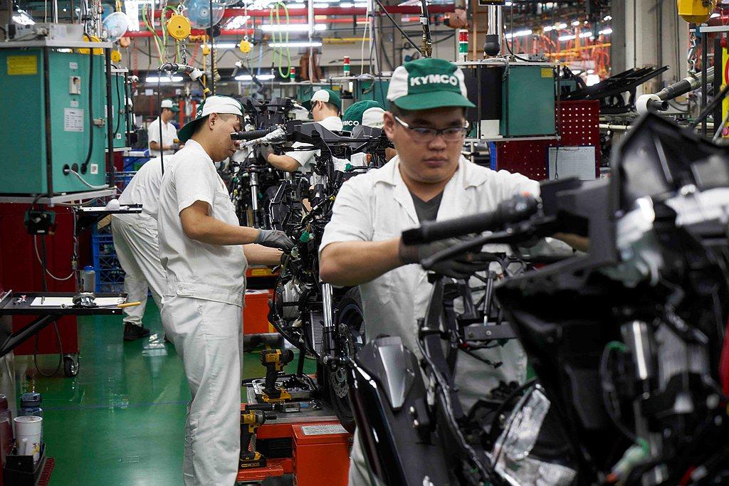 109年台灣機車市場共銷售103萬5,823輛成績,相比108年成長14.8%。...