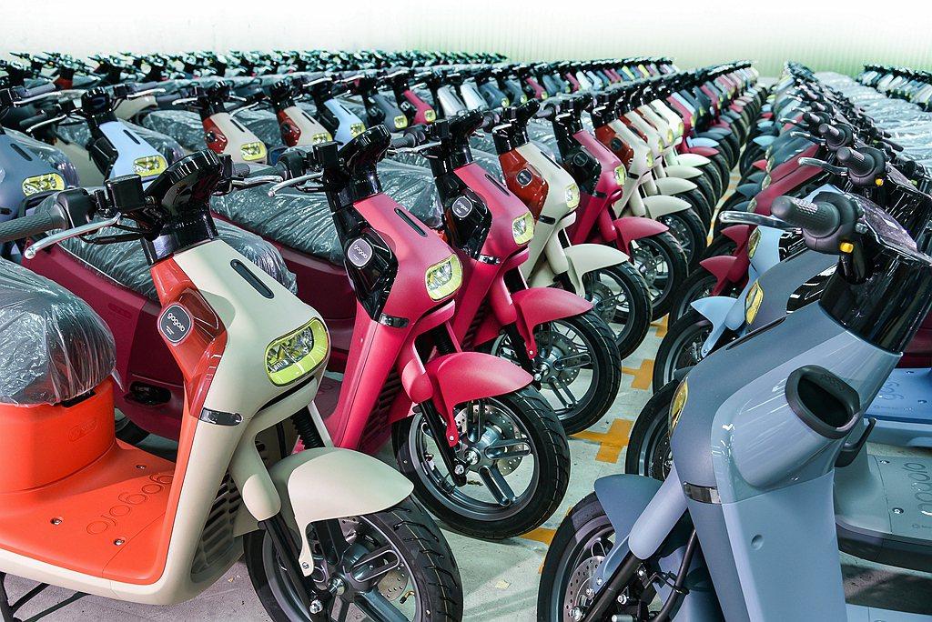 108年銷售火熱的電動機車,在去年共銷售出98,986輛、市占率9.6%。 圖/...