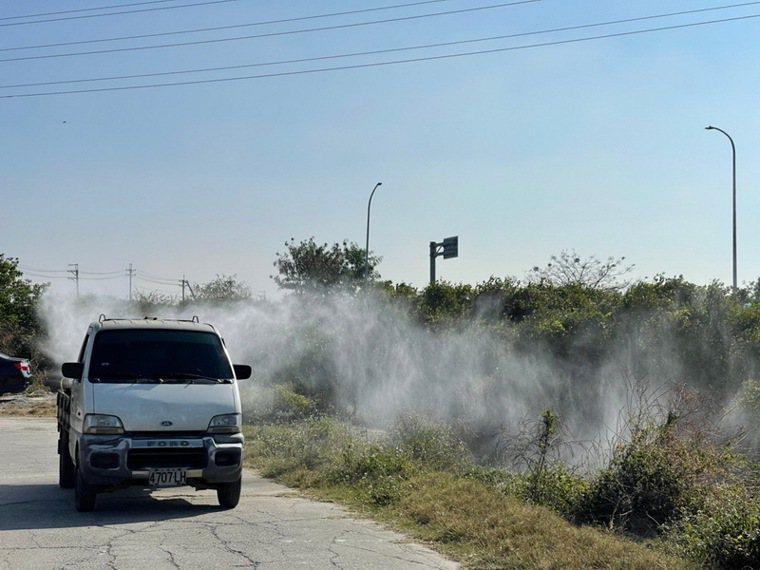 農委會防病檢疫局8日發布台灣西岸沿海濕地,鴨科候鳥的排遺驗出H5N8亞型高病原性...