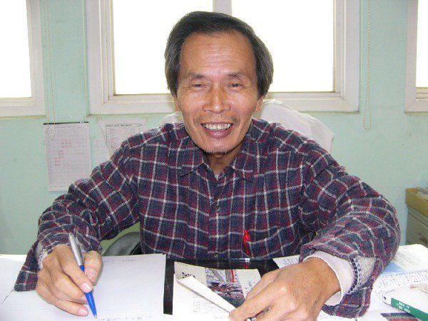 張良澤一生致力蒐羅、整理台灣文獻,2008年時曾獲台南大學傑出校友獎。圖/聯合報系資料照片