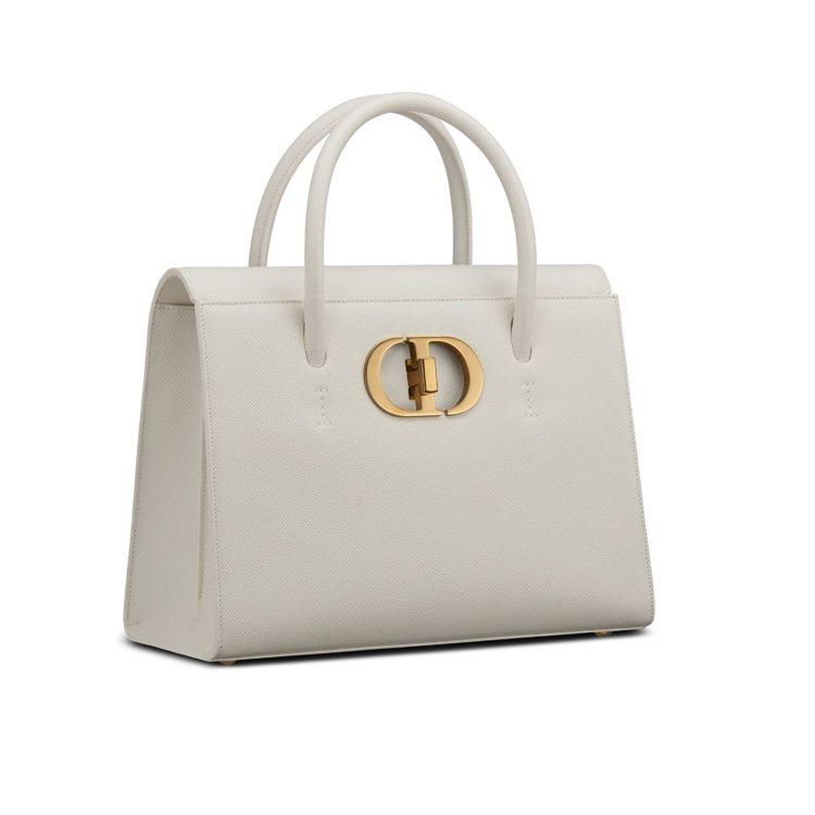 Dior St Honoré拿鐵白色粒紋小牛皮大型手提包,15萬元。圖/DIOR...