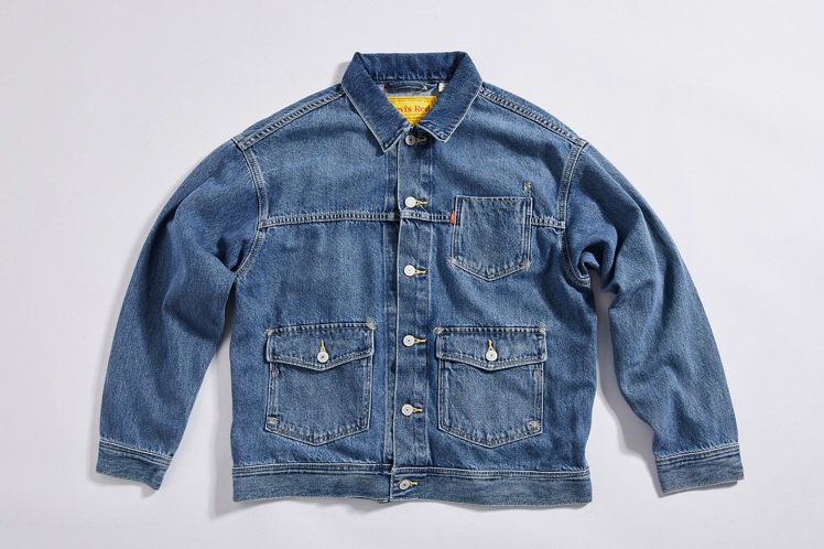 LEVI'S RED女裝原色工裝夾克4,390元。圖/LEVI'S提供