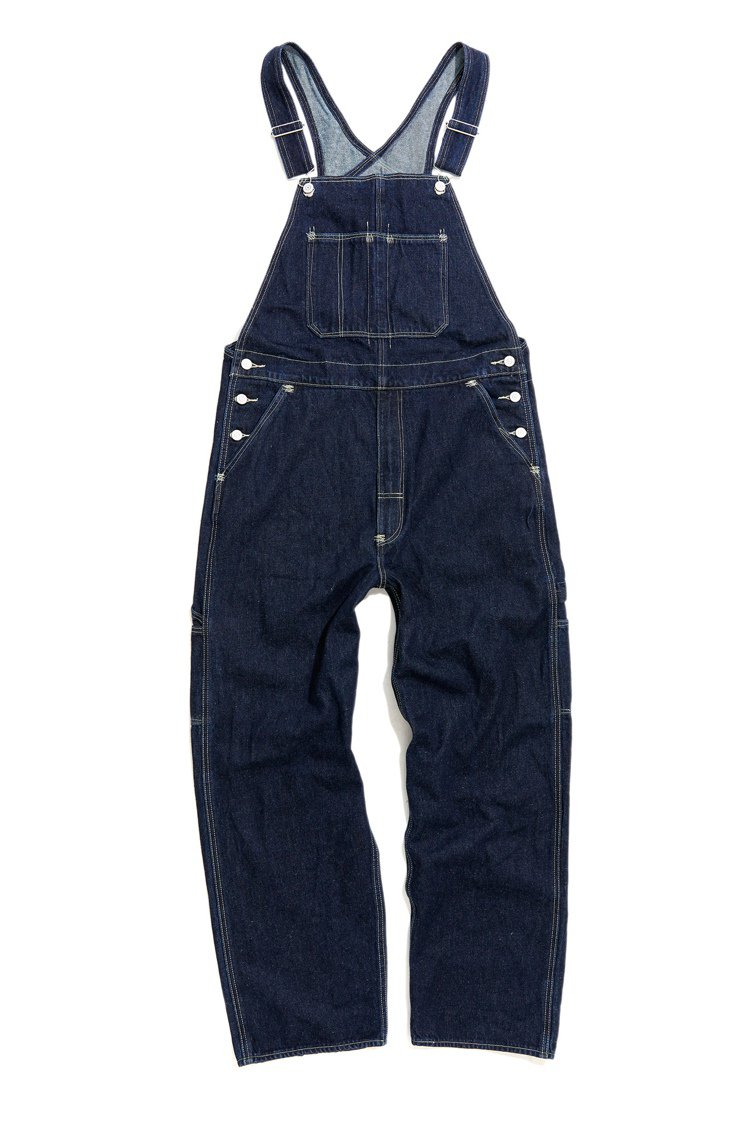 LEVI'S RED Overall連身吊帶褲4,590元。圖/LEVI'S提供