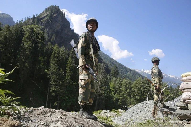 駐守在中印邊界的印度部隊。圖/取自歐新社