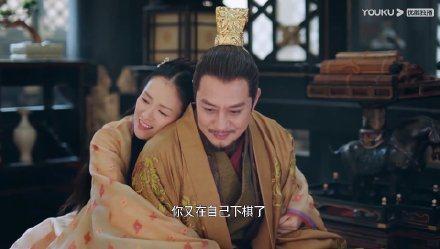 章子怡在「上陽賦」中向皇帝舅舅撒嬌,網友狠酸「像夫妻打情罵俏」。圖/摘自微博