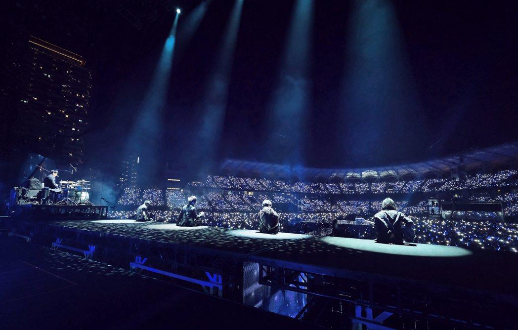 五月天舉辦第5場「好好好想見到你」演唱會。圖/相信音樂提供