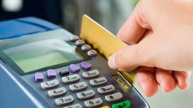 大陸信用卡透支利率今年起鬆綁,有助於銀行加大信用卡產品創新,增強對年輕客戶吸引力...