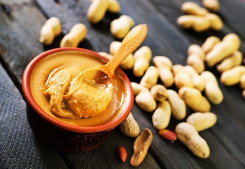 有一名網友發問,花生醬搭配什麼鹹食最合適?圖片來源/ingimage