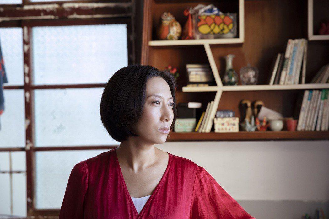 台裔日籍的歌手一青窈睽違5年出演電影「燕」,扮演台日混血男主角的媽媽,並以身為人