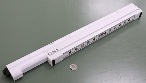 日本日亞化學工業開發出發一款射波長為280奈米、光輸出功率70毫瓦的深紫外線LED,經實驗證實,在距離新冠病毒5公分處照射30秒,能消滅99.99%的病毒顆粒。(photo by日亞化學工業官網)