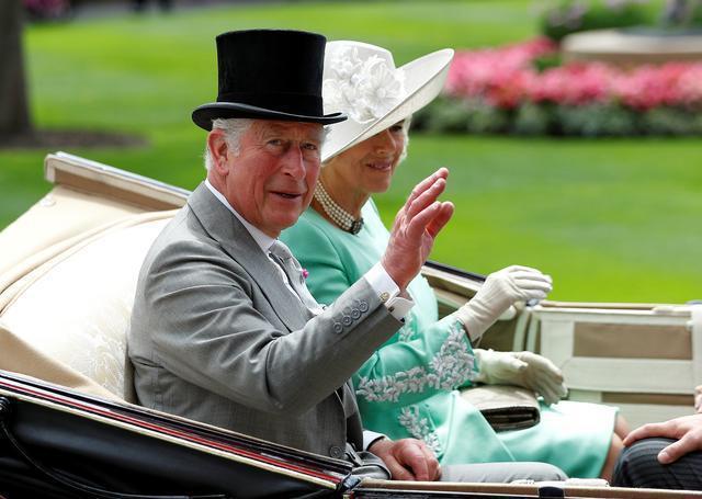 查爾斯與卡蜜拉不太討英國人歡心。圖/路透資料照片