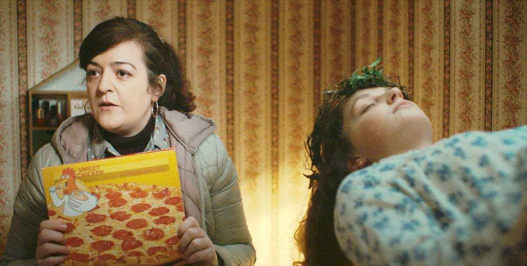 梅芙希金斯演出「通靈駕訓班」被「好萊塢報導者」盛讚是一舉登峰的喜劇演出。圖/海鵬...