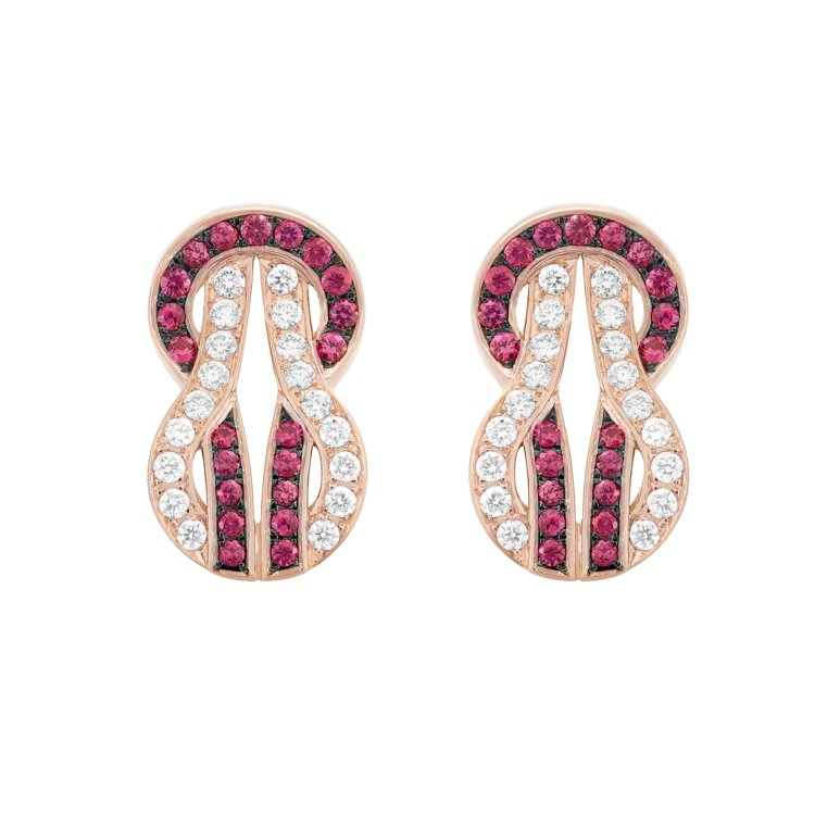Chance Infinie系列鑽石及紅寶石耳環,13萬5,800元。圖/斐登提...