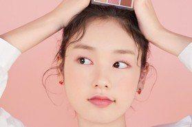 畫出超粉嫩「草莓奶霜妝」必學三招!用開架粉紅系彩妝輕鬆打造女孩最愛的仙氣微甜妝容