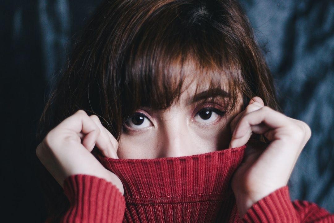 雖然我們的眼睛看上去不怕冷。但是我們的眼睛很容易就暴露在冷的天氣中,很多眼部疾病...