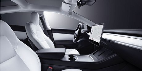 Model 3白內裝限量開放預購!Tesla Center高雄服務體驗中心開幕
