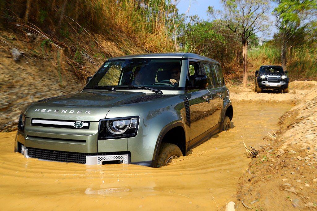 不過在媒體試駕活動之後,對於新世代Land Rover Defender又有完全...