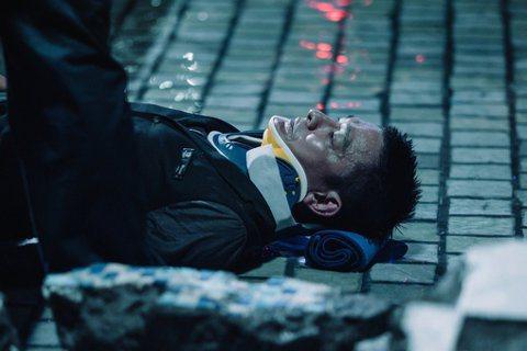 回顧以往,劉德華幾乎沒有演過真正的反派角色,這次他的角色不停翻轉,有點像「神鬼系...