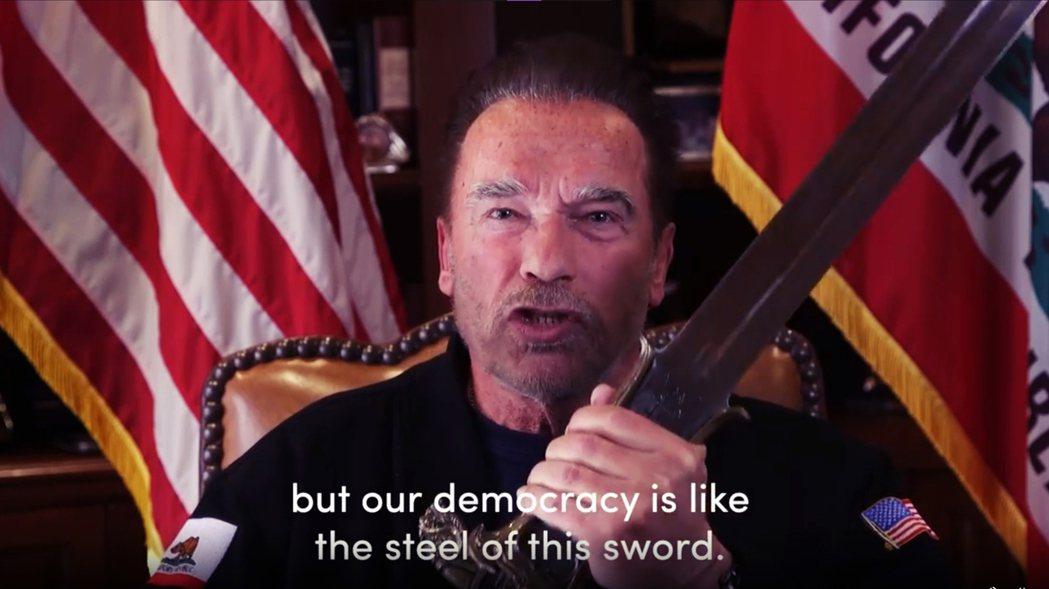 共和黨的阿諾(Arnold Schwarzenegger)公開在twitter上...