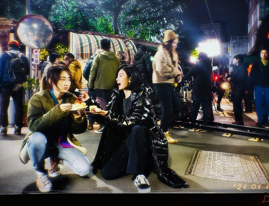 柯佳嬿與賈靜雯合作新戲,生日在工作中渡過。圖/擷自IG