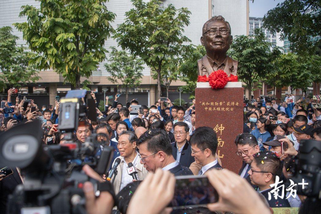 時隔一年之久,疫情究竟是否從「中國開始」。種種疑問依然是懸而未決的謎題。圖為疫情...