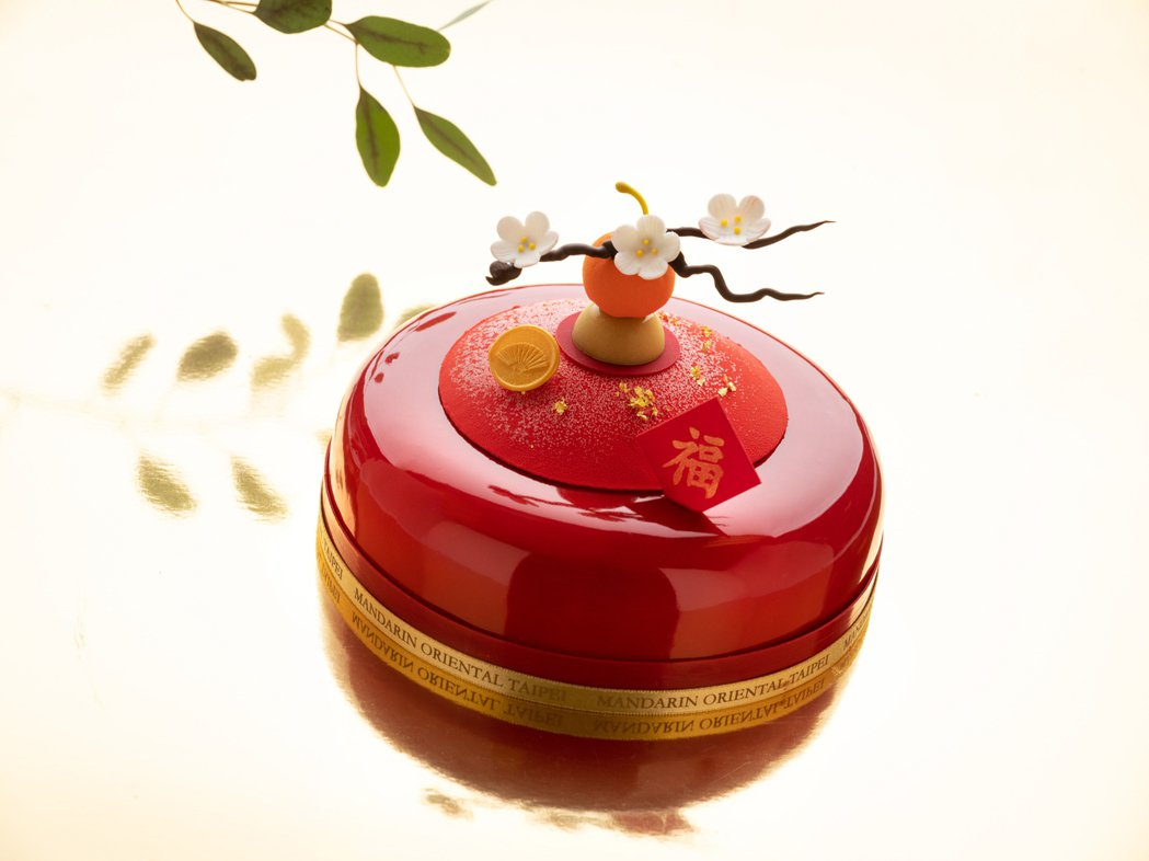 文華餅房以「花開福至」蛋糕迎接農曆春節。 台北文華東方酒店/提供