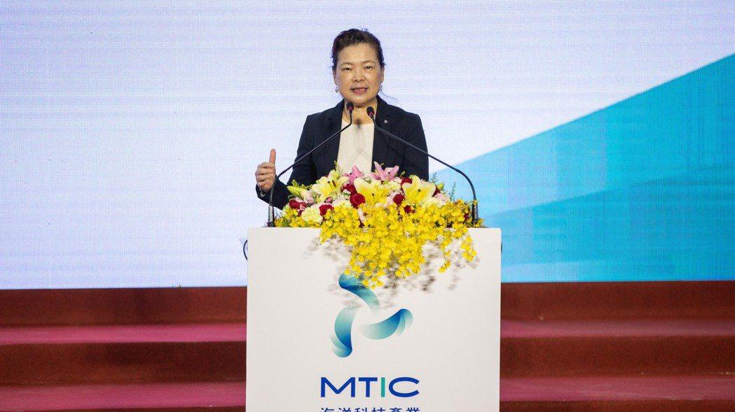 經濟部長王美花14日表示,讓台美之間的產業可以更健康的發展,是很重要的下一步的起...