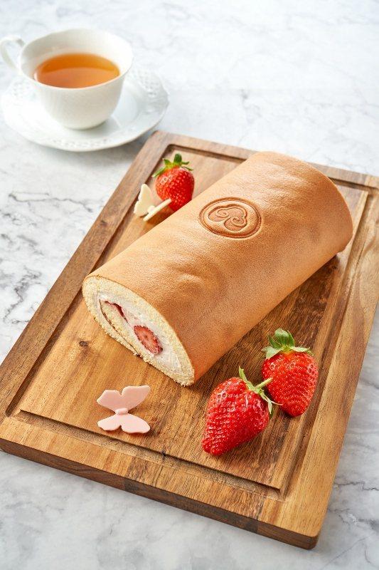 草莓蜂蜜卡士達捲。 台北福華大飯店/提供