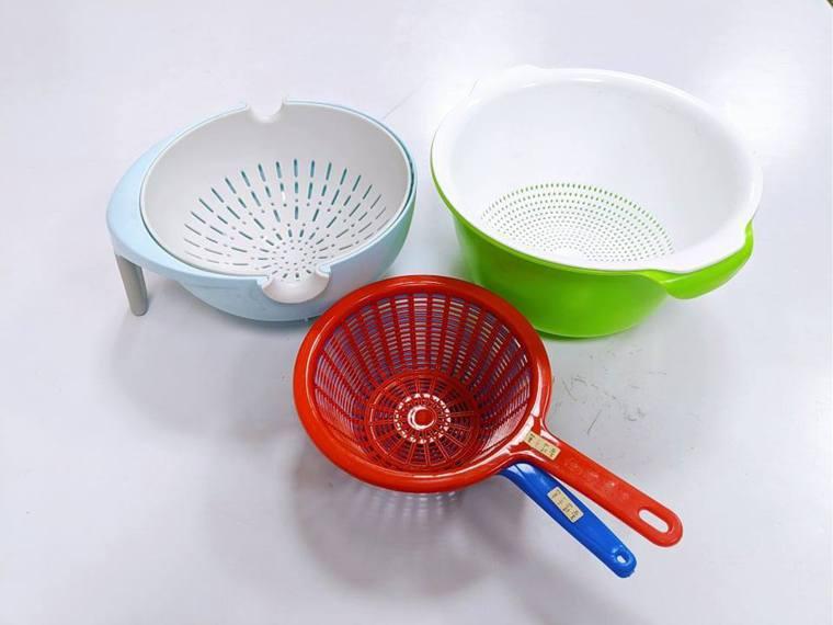 廚房輔具瀝水籃。圖/單手廚房提供