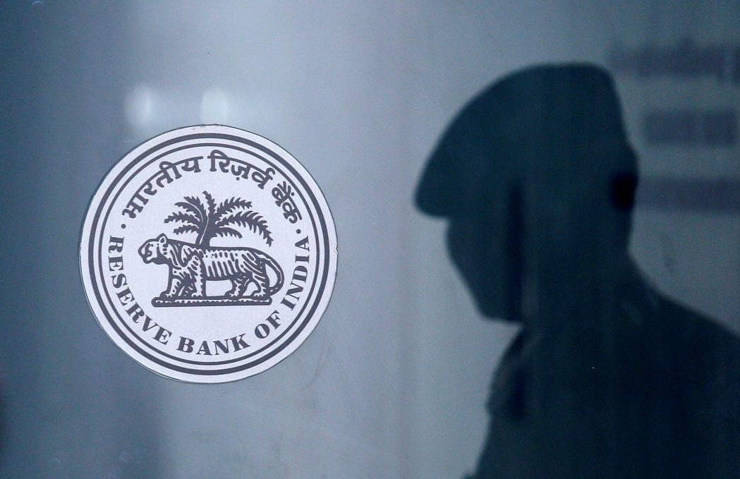 印度央行計劃利用一項附買回操作來緊縮流動性。路透