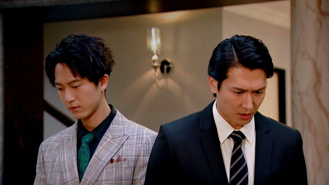 邵翔(右)、邱昊奇在「廢財闖天關」飾演堂兄弟。圖/三立提供