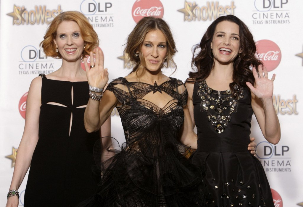 辛西亞尼克森(左起)、莎拉潔西卡派克、克莉絲汀戴維斯將再演「慾望城市」。圖/路透...