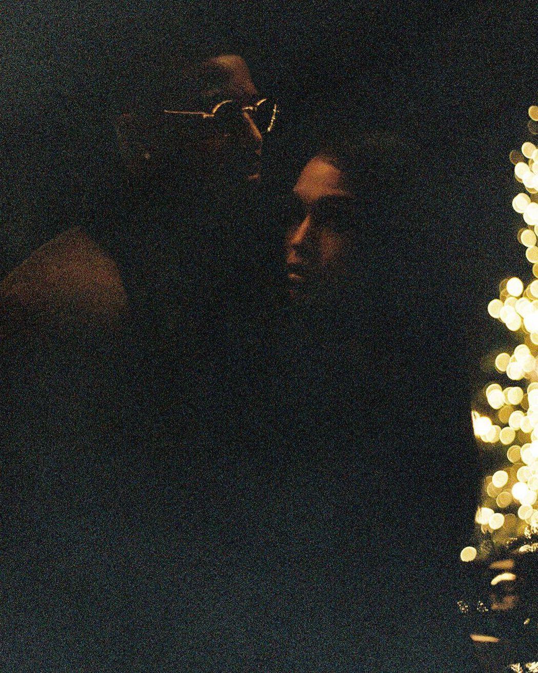 麥可B喬丹發布和洛莉哈維合照,承認交往中。圖/摘自Instagram