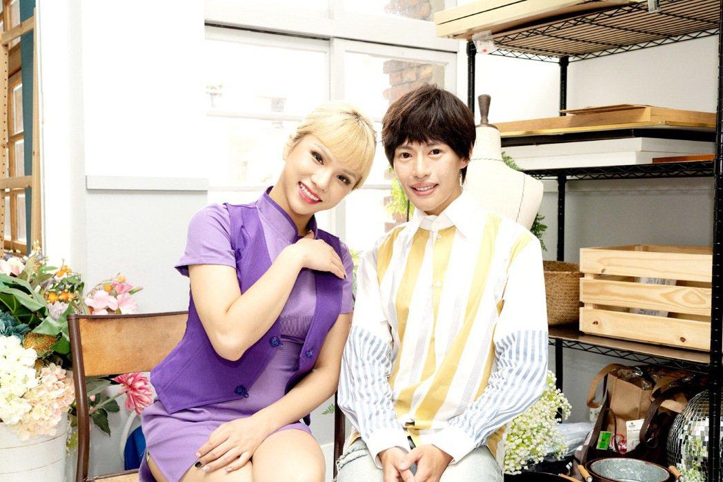 林語菲(右)邀來好友小A辣合作新歌「一天一天」MV。圖/菲常動人音樂提供