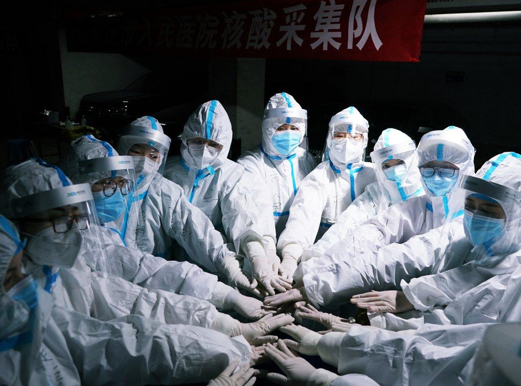 中國開年疫情再度陷入緊張,鄰近北京的河北省從1月份開始確診病例逐日增加,截至11...