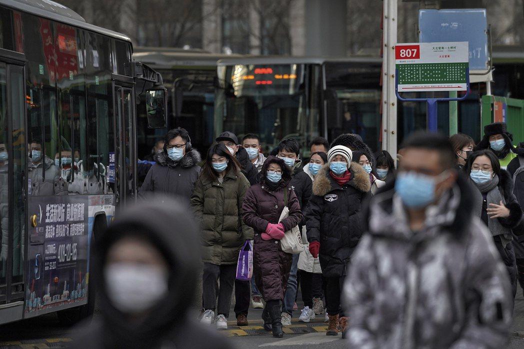 「為何在農村呢?因為他們沒知識。」當發現石家莊農村地區多起感染之後,中國社群輿論...