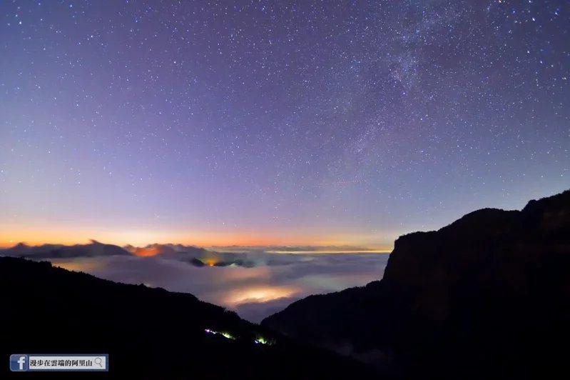 攝影師黃源明在阿里山上沒有等到下雪,卻捕捉到絕美冬季銀河。  圖/截自臉書漫步...