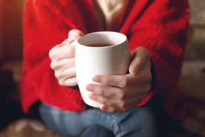 喝五味子茶、杜仲茶,可暖身,補脾氣、補腎氣。  圖/123RF