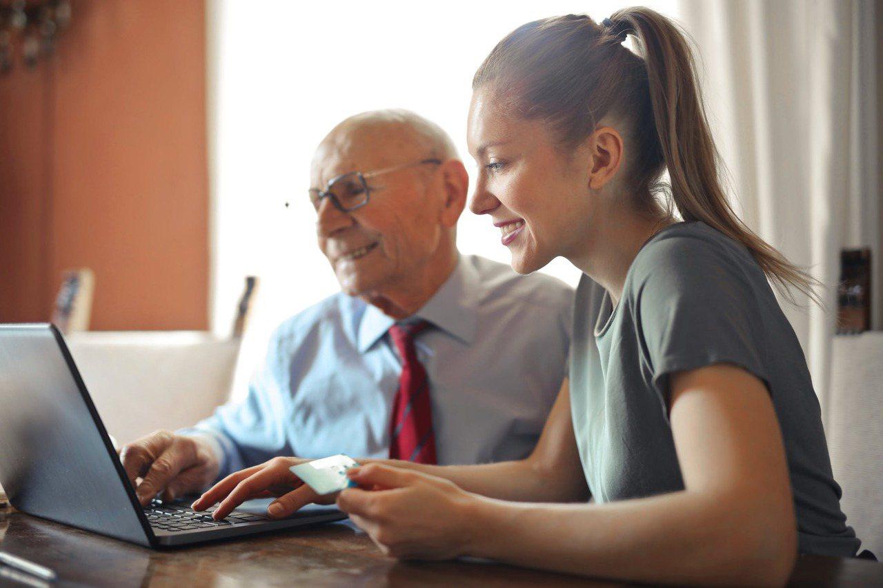 財產信託的種類多元,除了現金,房產、股票等有價財產也都可交付信託。 圖/pexe...