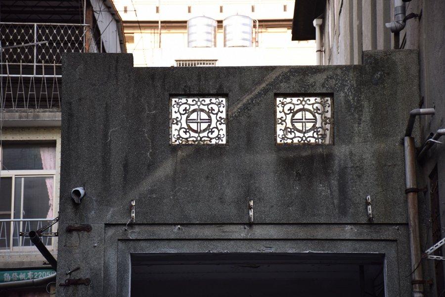 私人興建的天外天劇場之空間構成,是難能可貴近似日治時期官方劇場建築者。 圖/作者自攝