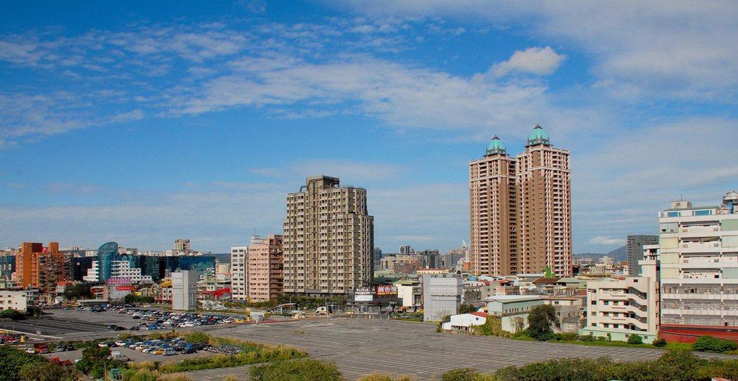 新北第二行政園區確定落腳三重,指標豪宅案「寶石君品苑」點燃熱銷。 業者/提供