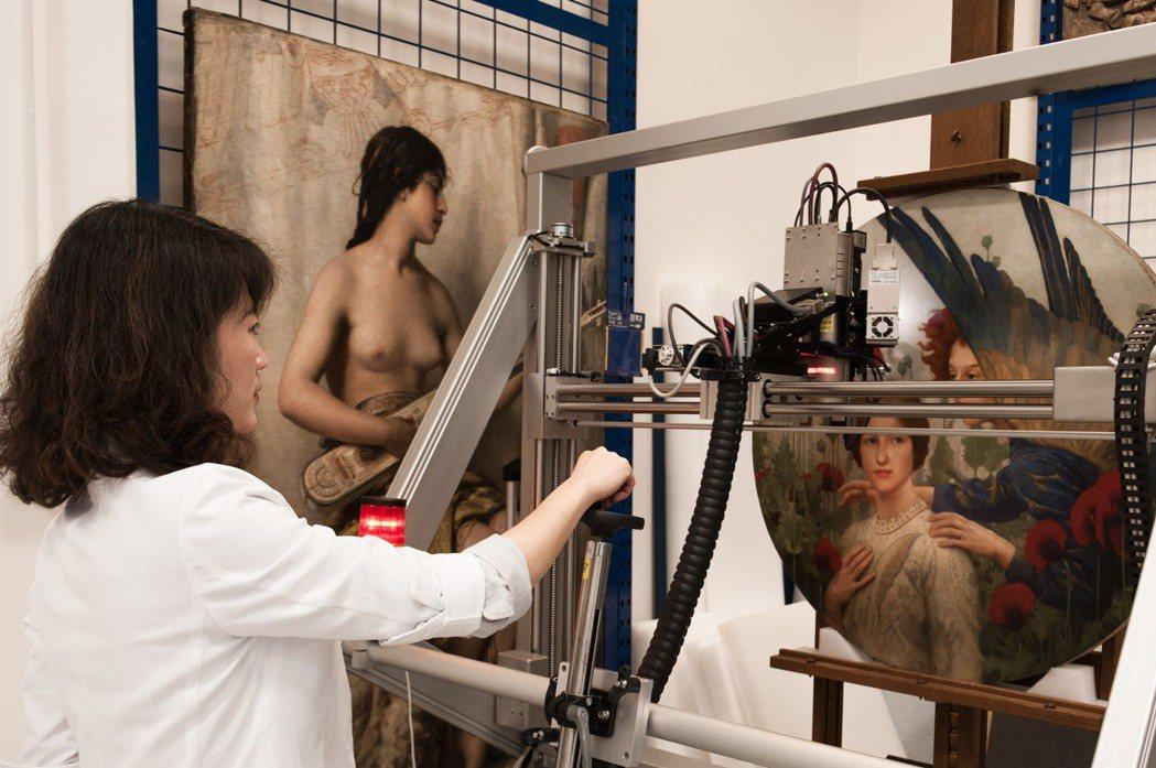 光學檢測提供許多肉眼難以窺見的寶貴資訊,是文物調查的重要一環。  奇美館/提供