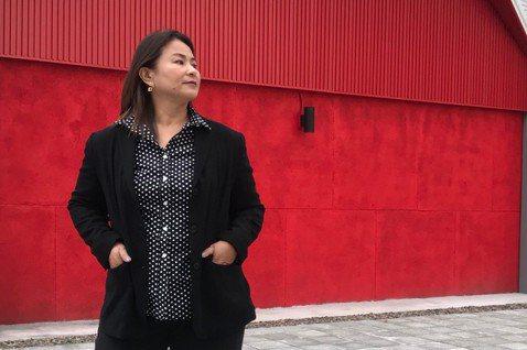 裘海正25年前嫁給嘉義養豬大王馬文鴻,便淡出歌壇相夫教子,隨著孩子完成大學學業,加上好友鼓吹開唱,讓她點頭於本周6在台北國際會議中心舉辦「愛我和我愛的人」演唱會。早先巫啟賢在PK推桿比賽落敗,將擔任...