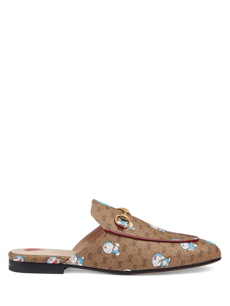 哆啦A夢Princetown皮革拖鞋,26,700元。圖/Gucci提供