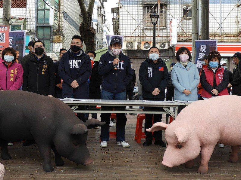 在反萊豬的民意支持下,國民黨聲勢一度止跌,但近期又再傳出國民黨高層內鬥。 圖/聯合報系資料照片