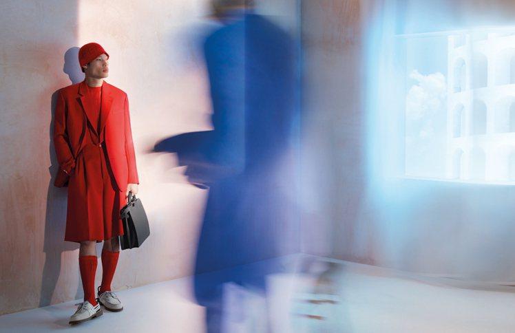 男裝在寬身剪裁中,洋溢著風雅現代的氣質。圖/FENDI提供