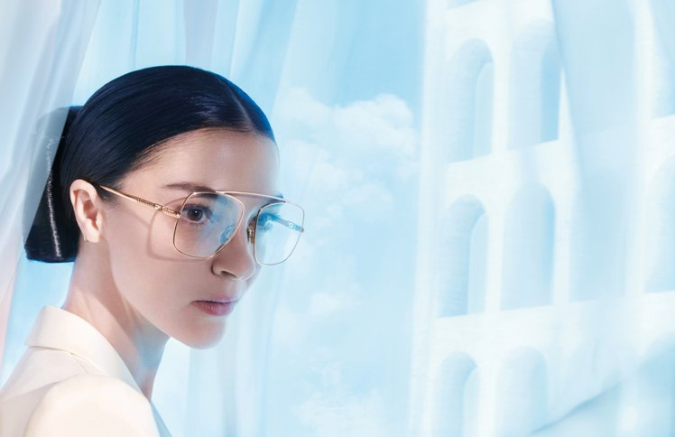 FENDI 2021春夏男女裝系列形象廣告包括1月份上市的太陽眼鏡系列。圖/FE...