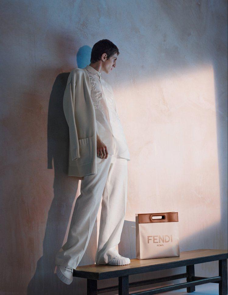 棉布刺繡、編織是FENDI的設計元素,也展現品牌的精湛工藝。圖/FENDI提供