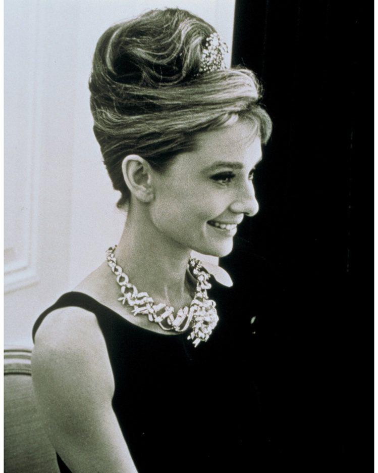 好萊塢女星Audrey Hepburn配戴Tiffany Ribbon Rose...