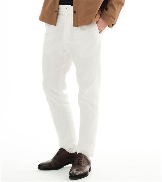 plain-me男款彈性打褶長褲1,880元。圖/plain-me提供